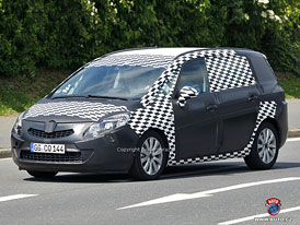 Spy Photos: Opel Zafira C � P��t� rok, bez FlexDoors
