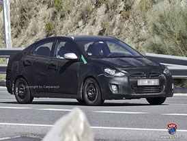 Spy Photos: Hyundai Accent � i20 sedan s tvary Sonaty