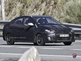 Spy Photos: Hyundai Accent – i20 sedan s tvary Sonaty
