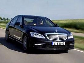 Video: Mercedes-Benz S 63 AMG � J�zda s nov�m motorem