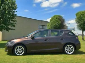 Video: Lexus CT 200h �  Prvn� kompaktn� hatchback pr�miov� zna�ky
