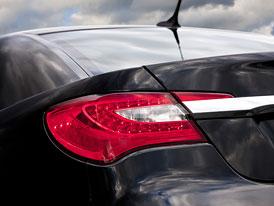 Chrysler 200: První snímky nástupce Sebringu