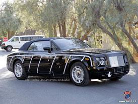 Spy photos: luxusní kabriolet Rolls Royce Corniche