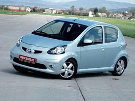 První jízdní dojmy: Toyota Aygo 1,0i - Kmochova pravnučka