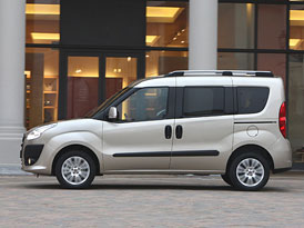 Fiat Doblo 1,6 MultiJet s převodovkou Dualogic se představí v Paříži