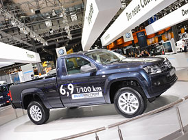 VW na IAA: Amarok SingleCab, Caddy BlueMotion