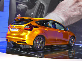 Ford Focus ST: Nejost�ej�� z�stupce nov� generace