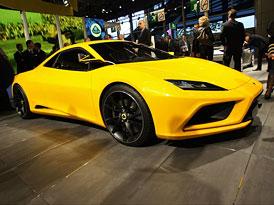 Lotus Elan: Čtyřmístné kupé s motorem uprostřed