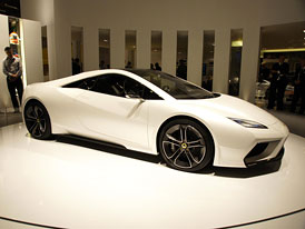 Lotus Esprit: Star� jm�no, nov� tv��