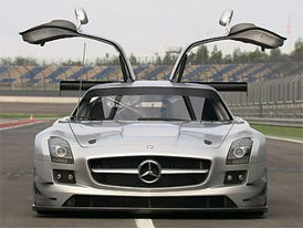 Video: Mercedes-Benz SLS AMG GT3 – Prohlídka karoserie