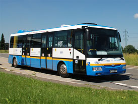 Dva elektrobusy v ulic�ch Ostravy
