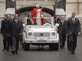 Papež by si přál elektrický papamobil