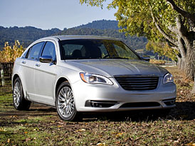 Chrysler 200: Technická data faceliftovaného Sebringu