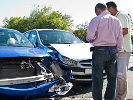 Pojišťovny mají novou zbraň proti podvodům při autonehodách