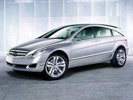 Mercedes-Benz GST - první fotografie
