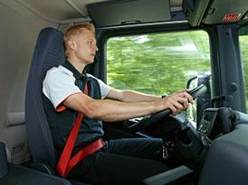 Scania zavádí červené bezpečnostní pásy