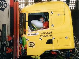 Scania p�edstavuje bezpe�nostn� prvky