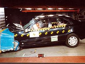 Pět hvězdiček překvapivě získává - Mercedes C