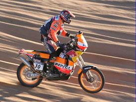 Na Dakaru zahynul motocyklista Andy Caldecott