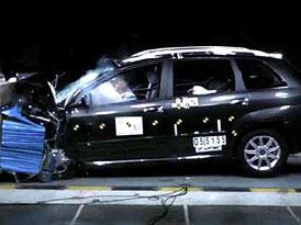 Euro NCAP dával známky: Yaris (5 hvězd), Croma (5 hvězd), Sirion (4 hvězdy)