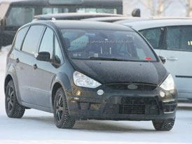 Spy Photos: Ford S-MAX