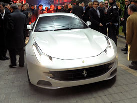 Ferrari FF: Premiéra před Ženevou
