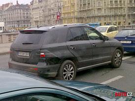 Mercedes-Benz testuje nové SUV ML (W166) v ulicích Prahy (nové foto)