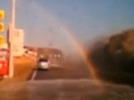 Když vás v autě smete tsunami … (video)