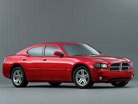 Dodge Charger je zpět: více dveří, méně koní