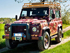 Land Rover Defender Vineyard: Do vinic nenápadně