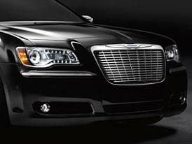Chrysler 300 Mopar: Individualizace masky chladiče (video)