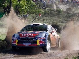 Rally Sardinie 2011 – Citroën DS3 WRC je na šotolině neporazitelný, Prokop vede SWRC (+ fotogalerie)