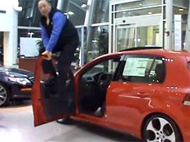 Dealerská reklama na VW Golf: Zkuste toto s vaší Hondou a Hyundaiem