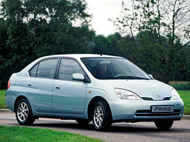 Toyota svolá v USA a Japonsku 106.000 Priusů první generace