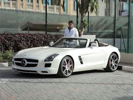 Mercedes-Benz SLS AMG Roadster: Za volantem Roger Federer (video)