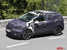 Spy photos: Opel Corsa SUV – konkurent Yetiho ještě letos