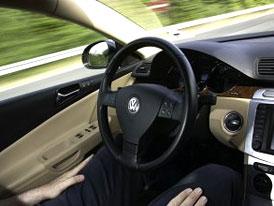 Volkswagen Temporary Auto Pilot: Krok k automatickému řízení