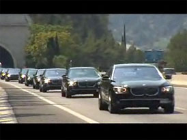 Svatba v Monaku: 1x Lexus LS Landaulet a k tomu 200x BMW 7 (video)