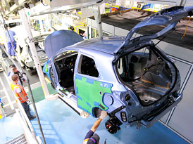 Toyota zah�jila v�robu Yarise, hodl� jich prod�vat a� 200 tis�c ro�n�