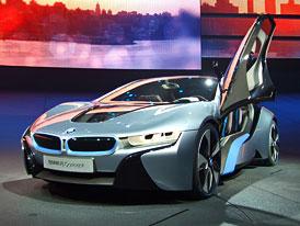 BMW i8: Sportovní plug-in hybrid s tříválcem 1,5 turbo (164 kW, 300 Nm)