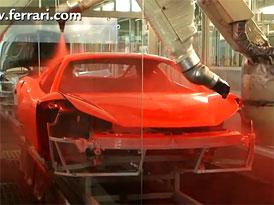 Video: Ferrari 458 Italia v lakovně