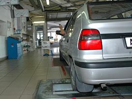 Úředníci na magistrátech nepoznají kradené auto, stát je chce školit