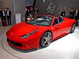 Ferrari ve Frankfurtu: 458 Italia odhazuje střechu