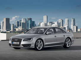 Video: Audi S8 – Novinka s motorem 4,0 TFSI