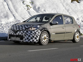 Spy Photos: Testovac� mula nov�ho Renaultu Clio