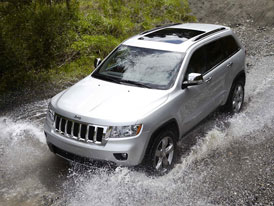 Jeep: Osmistupňový automat a elektromobil
