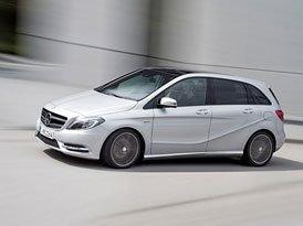 Video: Mercedes-Benz B � J�zda a prohl�dka karoserie i interi�ru