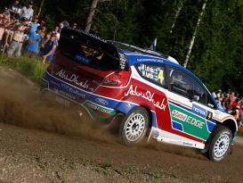 Britská Rally 2011 – Souboj Latvaly a Loeba ve druhé etapě