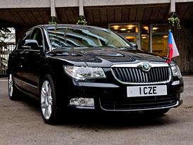 Škoda Superb pro velvyslance v UK dostane diplomatickou SPZ: 1 CZE