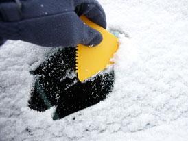 Auto a zima: Zimní výbava prakticky, aneb co přidat do kufru?